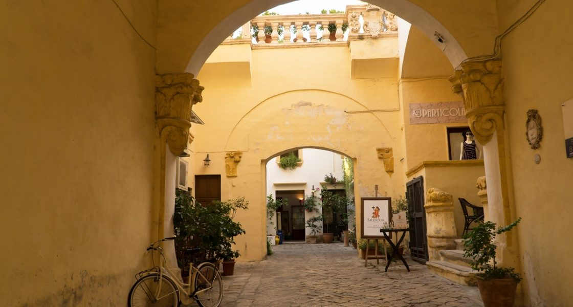 Gallipoli-Interno-Palazzo-Balsamo