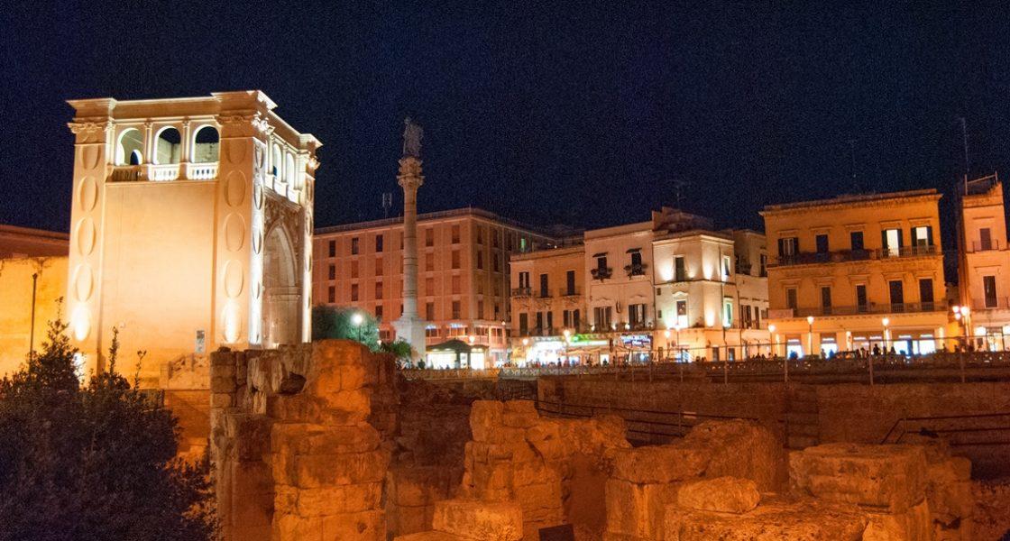 Lecce-Anfiteatro-Romano-Notturno-1