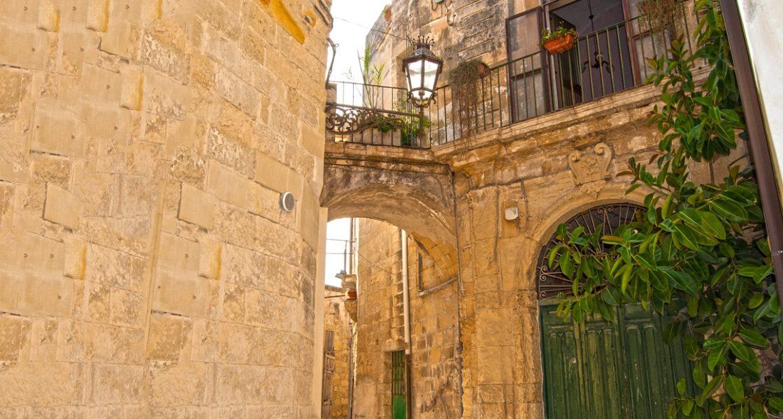 Lecce-Arco-Centro-Storico-1