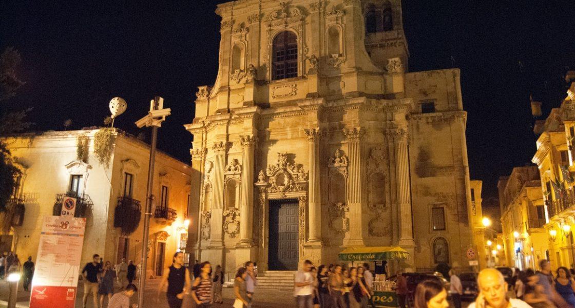 Lecce-Chiesa-Santa-Chiara-1