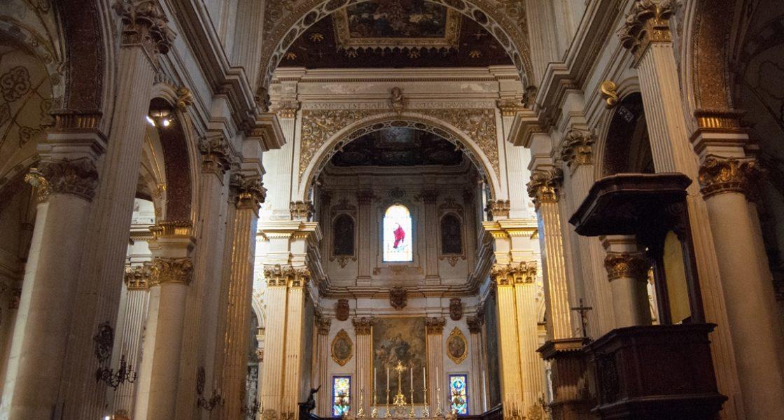 Lecce-Interno-Chiesa-Santa-Maria-Assunta-1