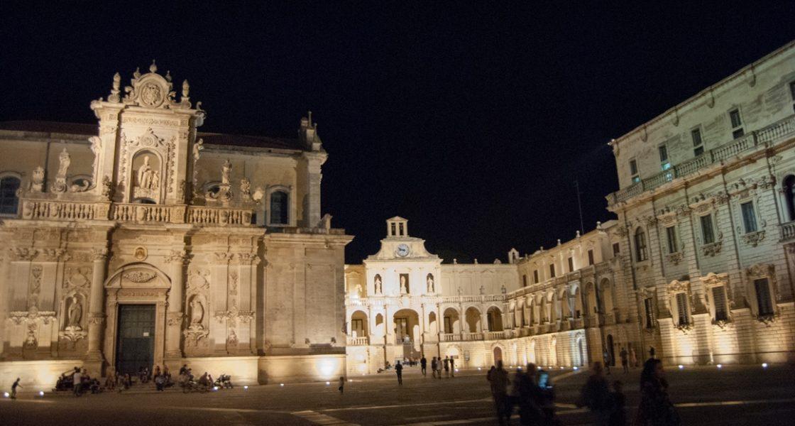 Lecce-Piazza-Duomo-Notturna-1