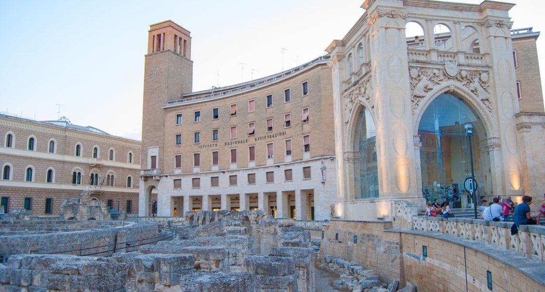 Lecce-Veduta-Anfiteatro-Romano-1