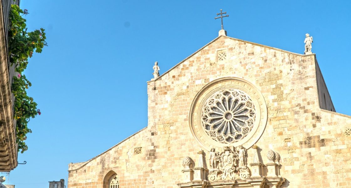 Otranto-Facciata-Chiesa-dei-Santi-Martiri