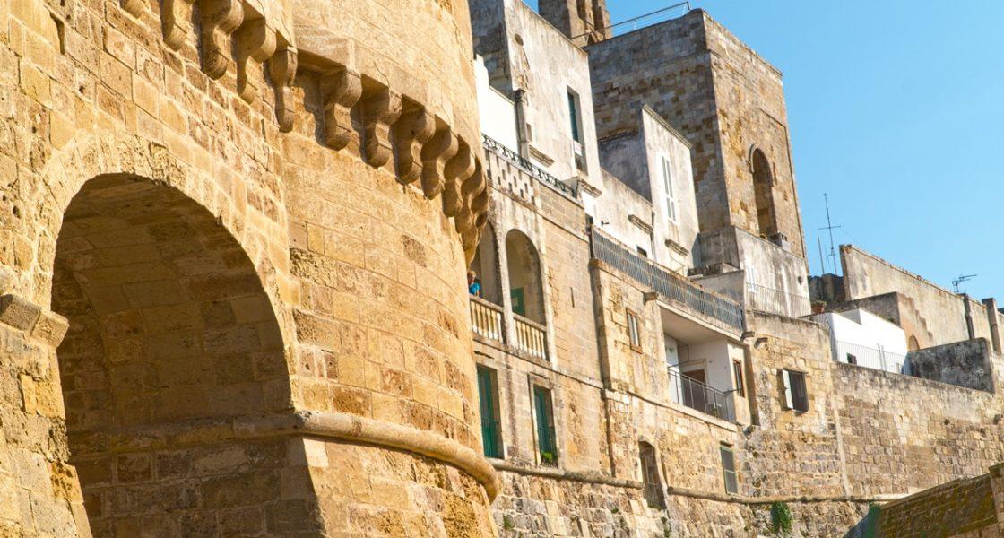 Otranto-Veduta-Mura-Castello-Aragonese